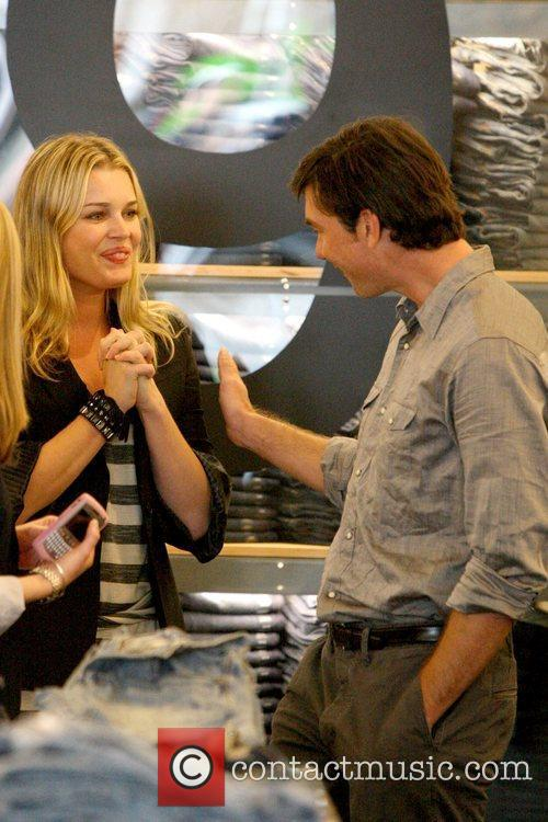 Rebecca Romijn and Jerry O'Connell shopping at Gap...