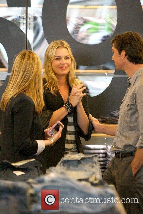 Rebecca Romijn and Jerry O'Connell 8