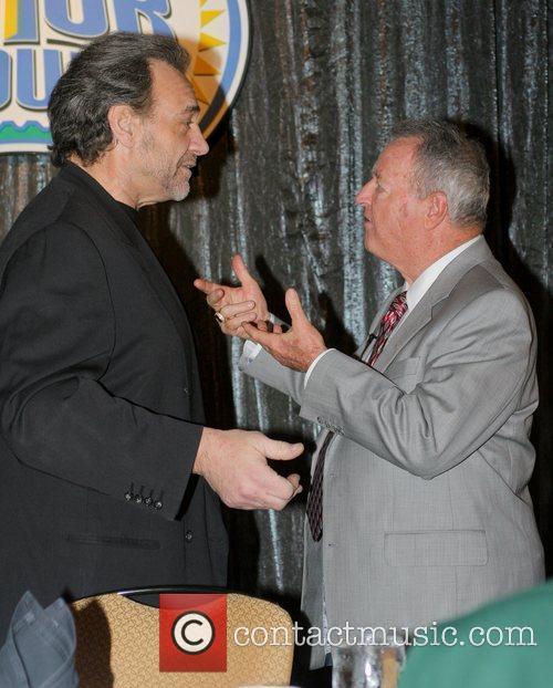 FSU Coach Bobby Bowden speaks with former player...