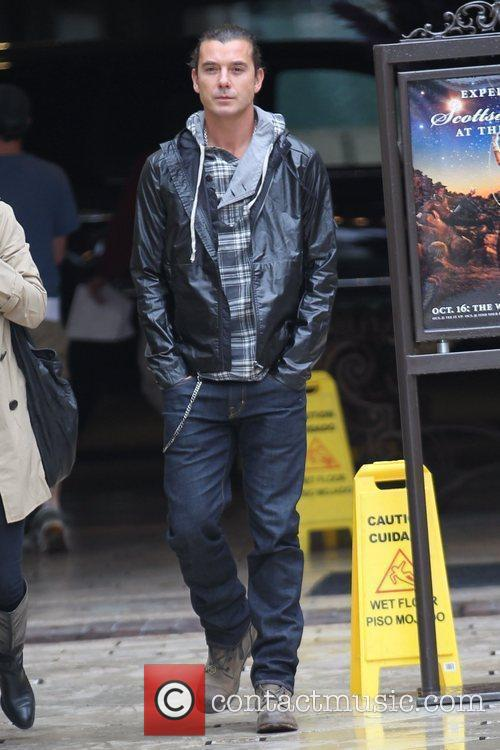Gavin Rossdale arriving at The Grove to help...
