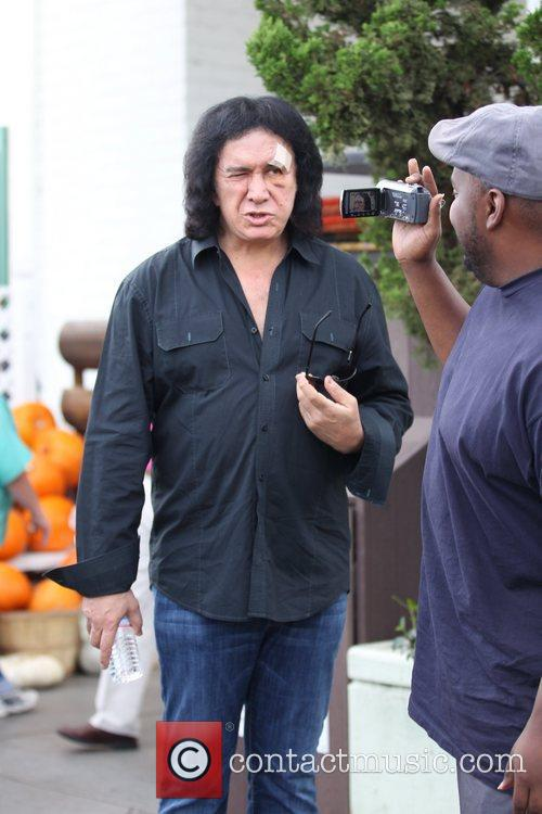 Gene Simmons, Shannon Tweed and The Fall 3