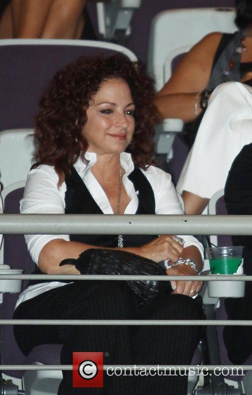 Gloria Estefan and Donna Summer 9