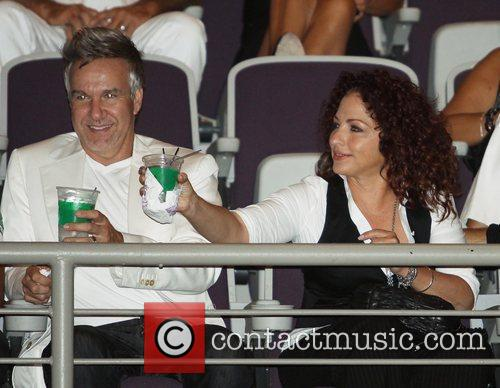 Gloria Estefan and Donna Summer 3