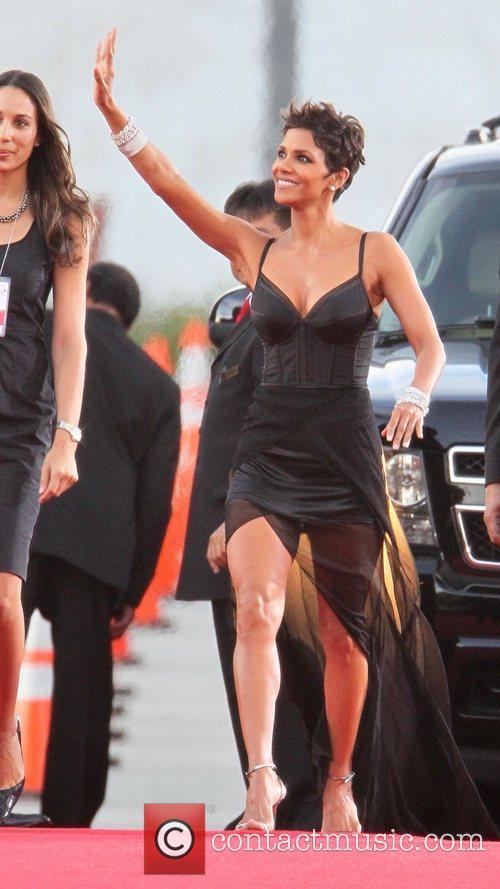 Halle Berry 6