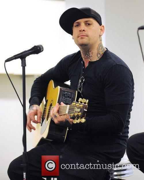 Benji Madden, Aventura and Good Charlotte 11
