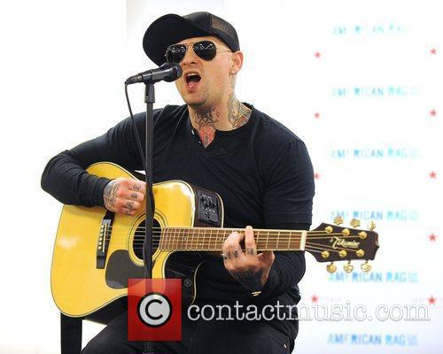 Benji Madden, Aventura and Good Charlotte 8