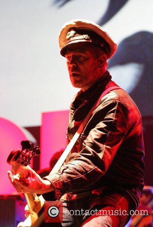 Paul Simonon and The Gorrilaz  perform live...