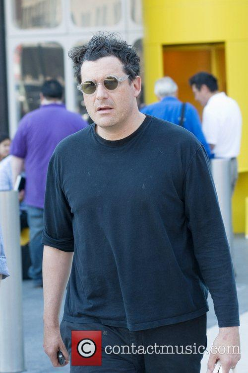 Isaac Mizrahi on location with 'Gossip Girl' in...