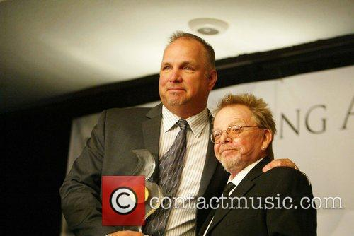 Garth Brooks and Paul Williams 4