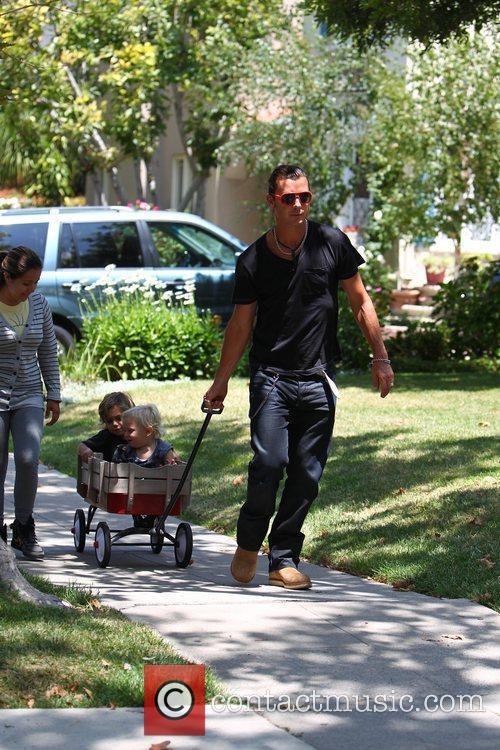 Gavin Rossdale plays with his sons Kingston and...