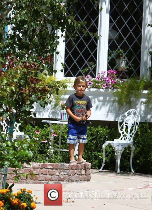 Kingston Rossdale plays outside his grandparents house Los...