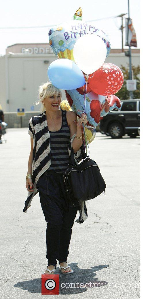 Gwen Stefani shopping at Party City in Hollywood...