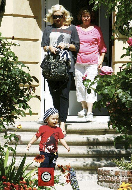 Gwen Stefani abd her youngest son Zuma visit...