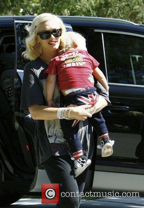 Gwen Stefani, Her Sons Kingston, Zuma Visit Family and Friends In Beverly Hills 8