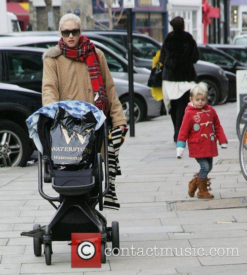 Gwen Stefani doing some Christmas shopping with her...