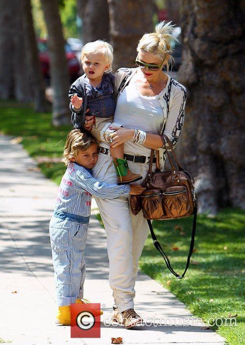 Gwen Stefani and Zuma 4