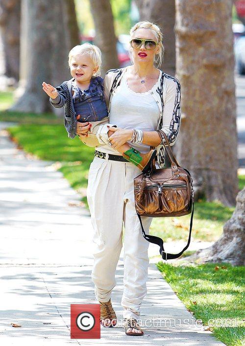 Gwen Stefani and Zuma 8