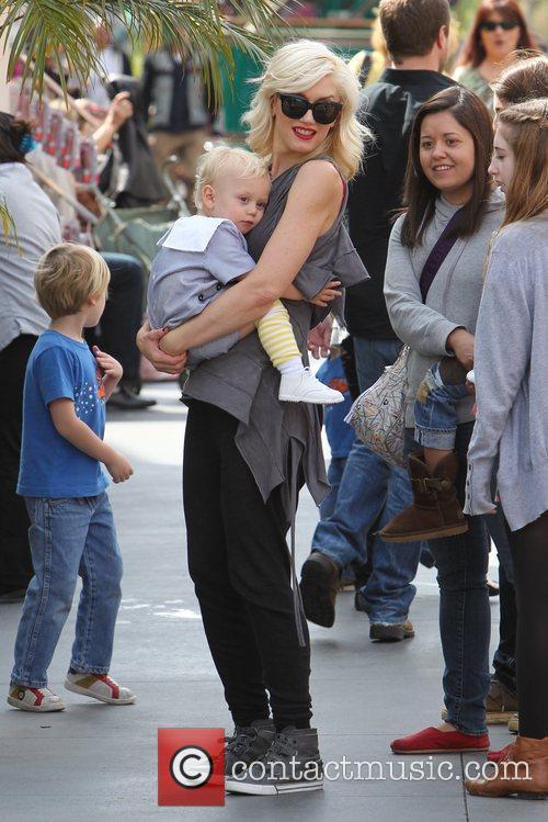 Gwen Stefani and Zuma Rossdale Gwen Stefani shopping...