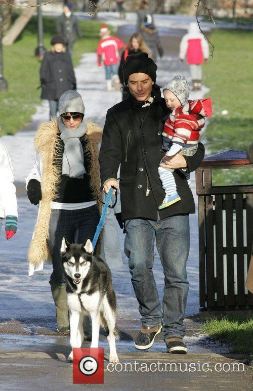 Gavin Rossdale and Son Zuma 5