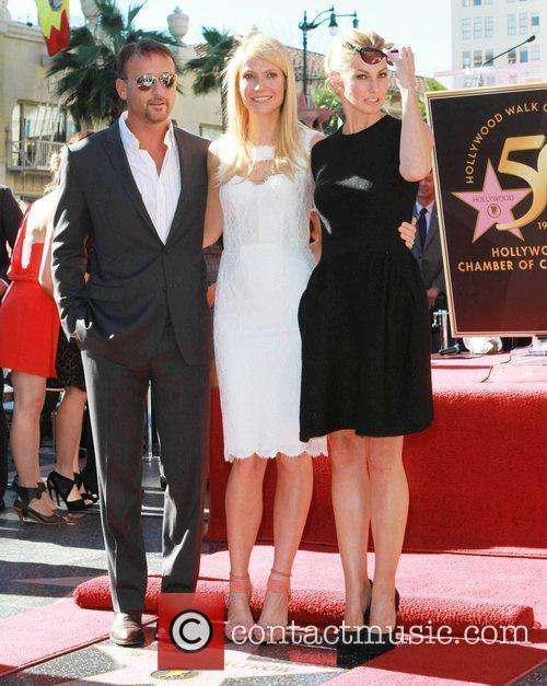 Tim Mcgraw, Faith Hill and Gwyneth Paltrow 2
