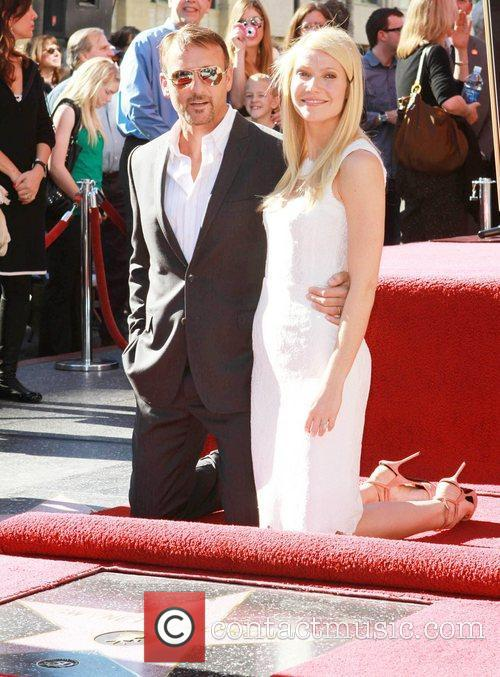 Tim Mcgraw and Gwyneth Paltrow 3