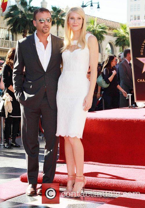 Tim Mcgraw and Gwyneth Paltrow 4