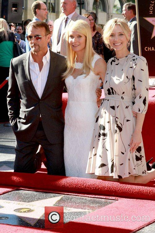 Tim Mcgraw and Gwyneth Paltrow 7