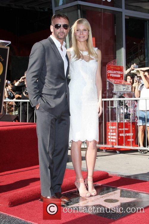 Tim Mcgraw and Gwyneth Paltrow 2