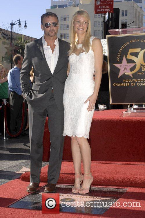 Tim Mcgraw and Gwyneth Paltrow 5