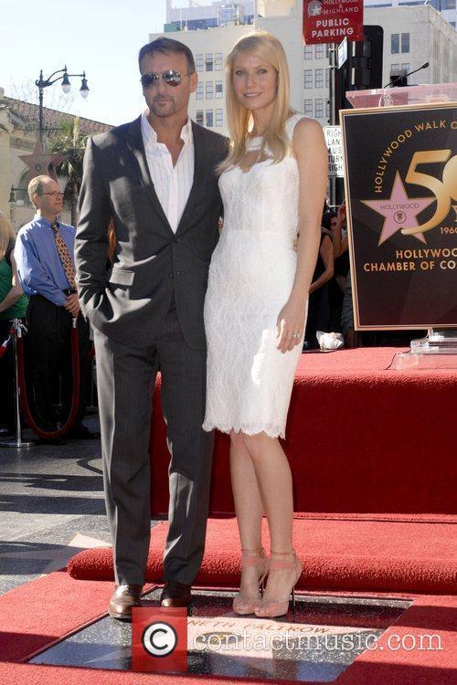 Tim Mcgraw and Gwyneth Paltrow 4