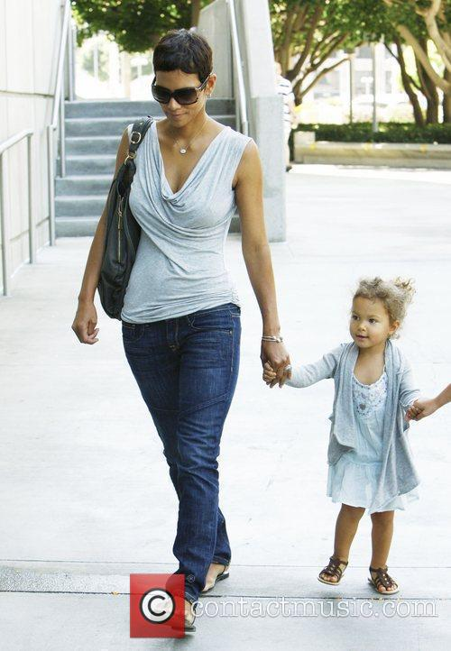 Halle Berry and Her Daughter Nahla Arrive At The Staples Centre To Visit The Circus 4