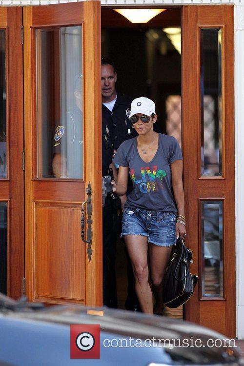 Halle Berry 14