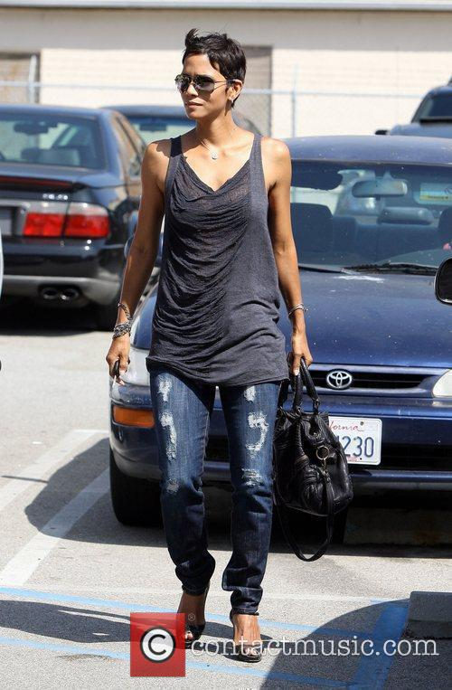 Halle Berry and Genesis 10