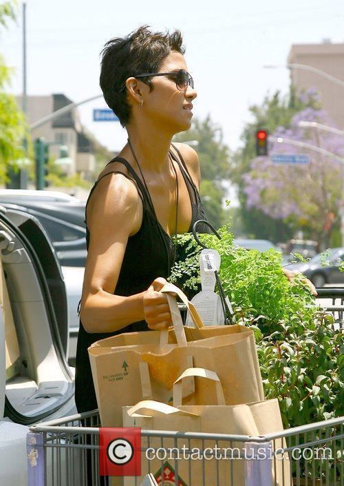 Leaving Bristol Farms in Beverly Hills after shopping...