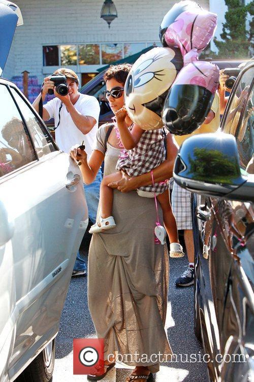 Halle Berry takes her daughter, Nahla, grocery shopping...