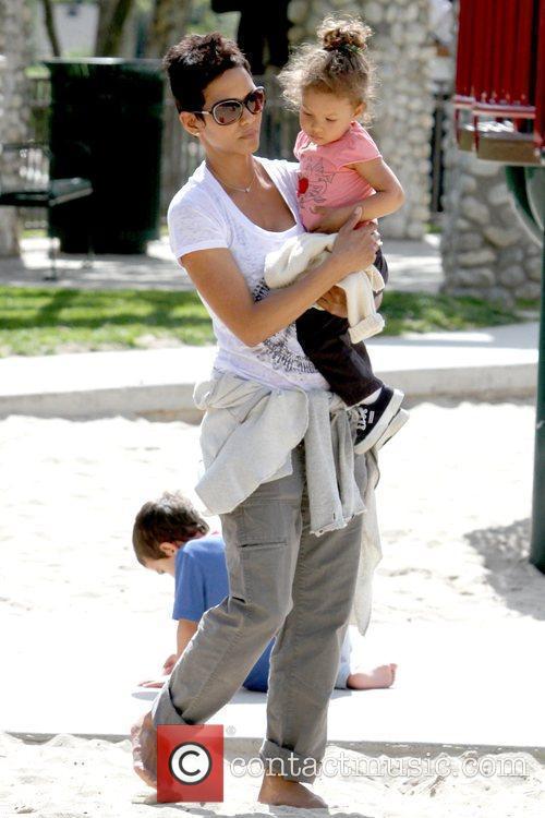 Halle Berry and Nahla Ariela Aubry 11