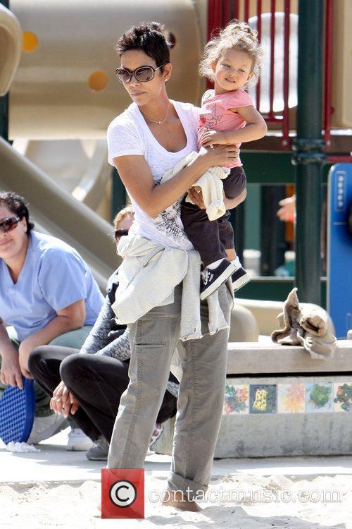 Halle Berry and Nahla Ariela Aubry 14