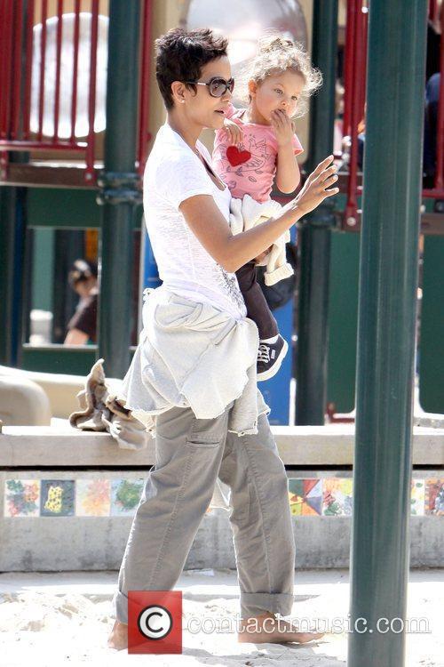 Halle Berry and Nahla Ariela Aubry 15