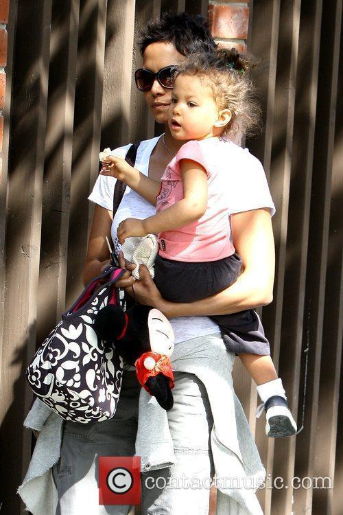 Halle Berry and Nahla Ariela Aubry 28