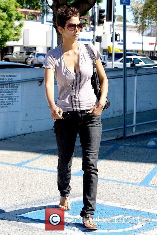 Halle Berry 23
