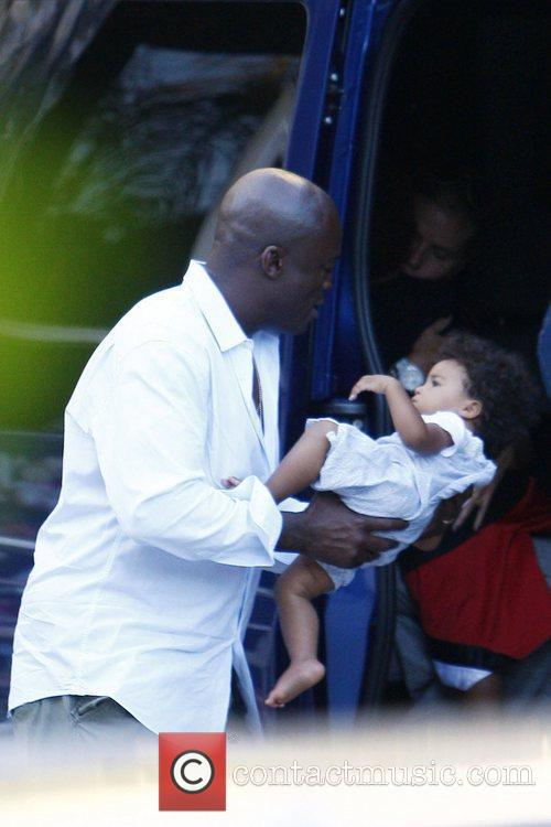 Seal and His Daughter Lou Sulola 5