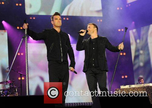 Robbie Williams and Gary Barlow 9