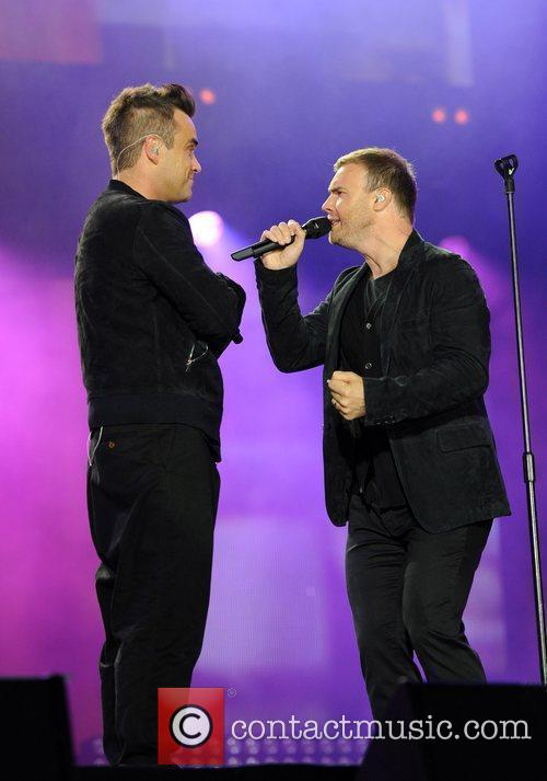 Robbie Williams and Gary Barlow 24