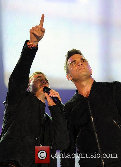 Robbie Williams and Gary Barlow 26
