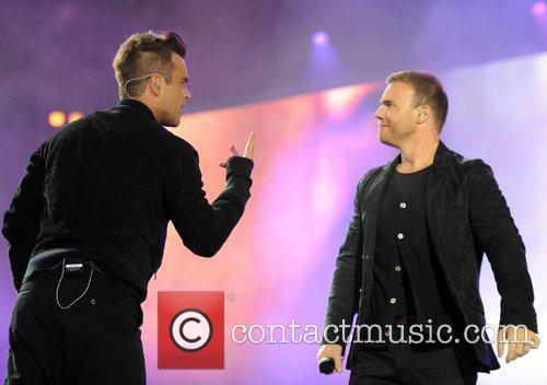 Robbie Williams and Gary Barlow 25