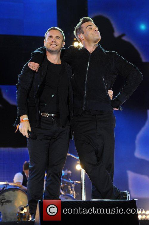 Robbie Williams and Gary Barlow 27