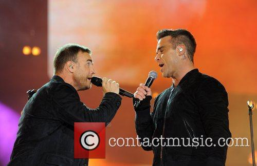 Robbie Williams and Gary Barlow 3