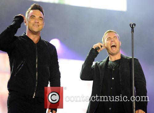 Robbie Williams and Gary Barlow 6