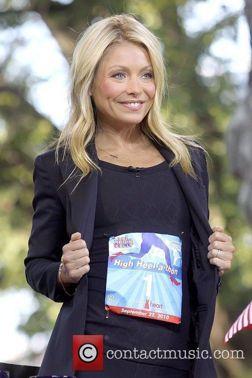 Kelly Ripa 3