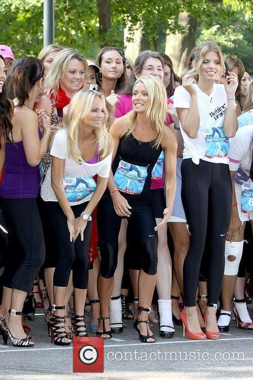 Kristin Chenoweth, Annalynne Mccord and Kelly Ripa 6